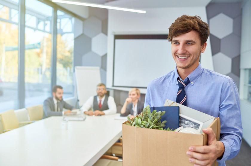 Twój pracownik odchodzi z firmy  i co dalej?
